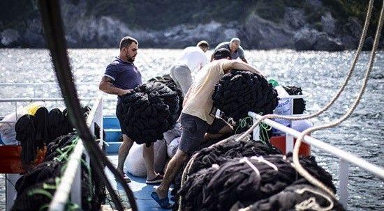 Balıkçıların zorlu av mesaisi!