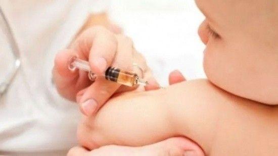 Bebeğe yanlışlıkla koronavirüs aşısı yapıldığı iddiasına soruşturma