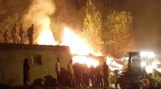 Bingöl'de ahır yangını! Ahır kullanılamaz hale geldi