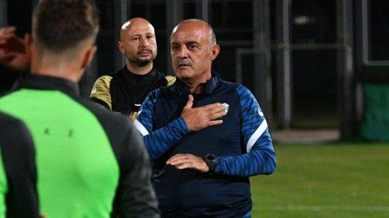 Bursaspor'un yeni hocası Özcan Bizati ilk idmanına çıktı
