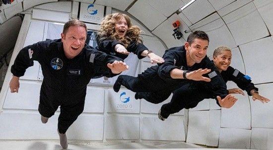 Dört amatör astronotun uzay yolculuğu için geri sayım başladı