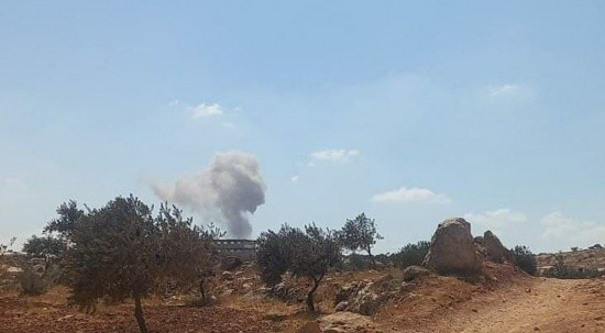 Esad güçleri Suriye'de saldırıları yoğunlaştırdı
