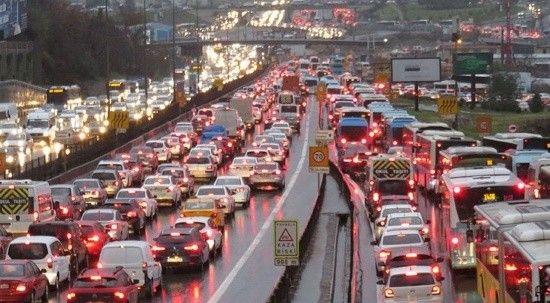 İstanbul'da trafik yoğunluğu, yüzde 71 seviyesinde