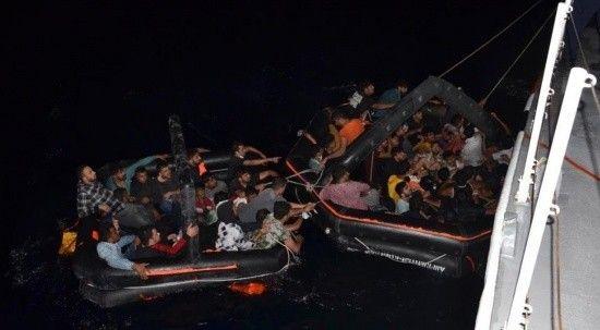 İzmir açıklarında 63 düzensiz göçmen kurtarıldı