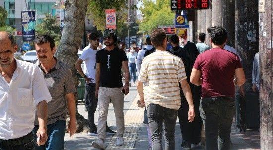 Maskesiz vatandaştan 'maske' daveti: Taksak iyi olur