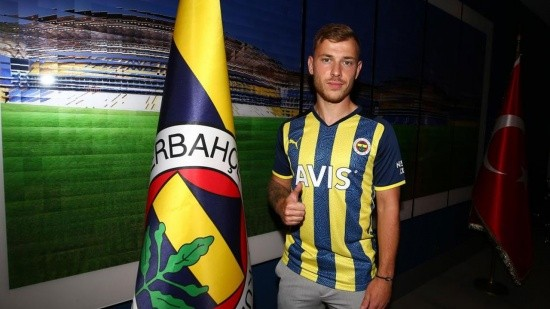 Max Meyer, Fenerbahçe'ye transfer oldu