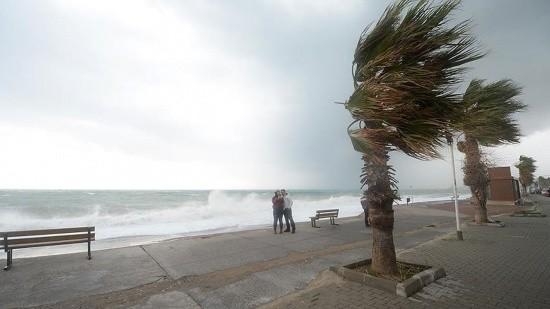 Meteorolojiden 3 bölgeye fırtınamsı rüzgar uyarısı