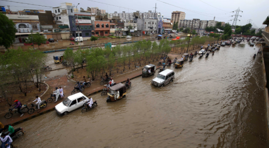 Pakistan'da şiddetli yağış! 4 ölü var
