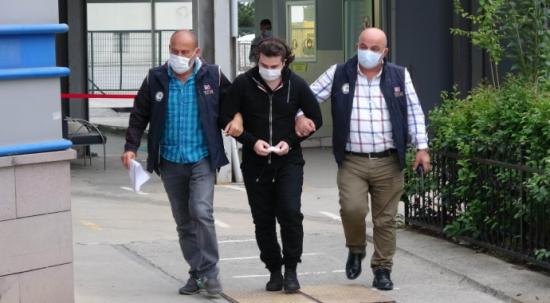 FETÖ'den 1 araştırma görevlisi ve 2 üniversite öğrencisi gözaltına alındı