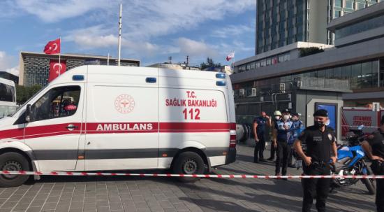 Taksim Metro istasyonunda bir kişi raylara atlayarak intihar etti!