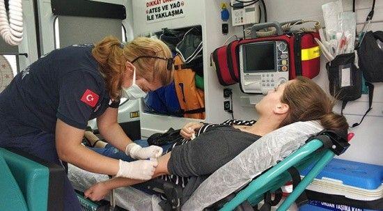 Tedavisi için hastaneye gidiyordu! 100 metre kala trafik kazası geçirdi