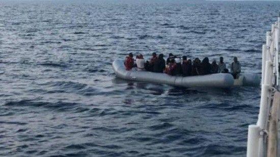 Tunus açıklarında 100 göçmen kurtarıldı