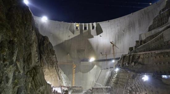 Türkiye'nin en yüksek barajında çalışmalara devam ediliyor