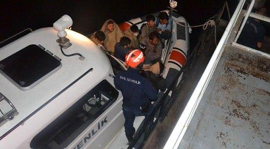 Van Gölü'nde operasyon: 60 kaçak göçmen yakalandı