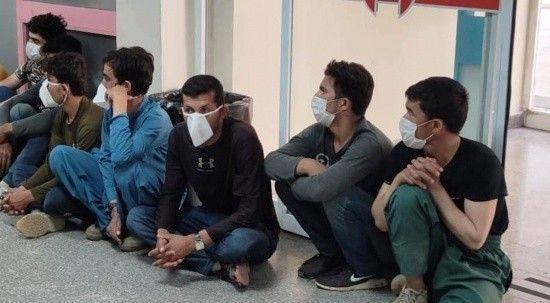 Yasa dışı yollarla ülkeye girdiler, 25 göçmen yakalandı