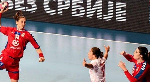 A Milli Kadın Hentbol Takımı, Sırbistan'dan mağlup döndü