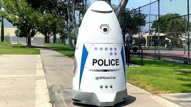 ABD sokaklarında robot polis devriye geziyor!