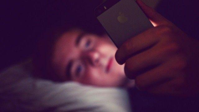 Akıllı telefon gece uykusunu bozuyor