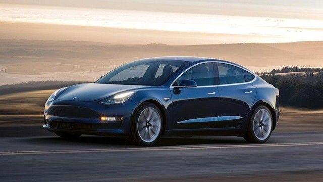 Araç kiralama şirketi Hertz, 100 bin Tesla siparişi verdi