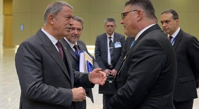 Bakan Akar, Bulgar mevkidaşı ile görüştü