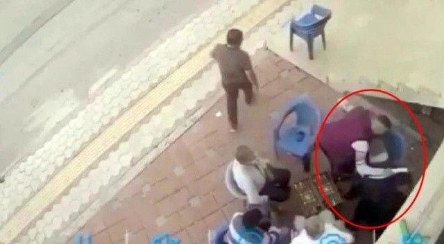 Baltalı saldırgandan kaçan genç kıza kimse yardım etmedi