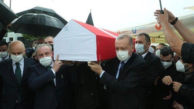 Erdoğan'ın 'dava ve yol arkadaşı'ydı: İsmet Uçma son yolculuğuna uğurlandı