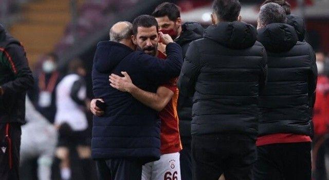 Galatasaray Arda Turan ile yollarını ayırıyor!