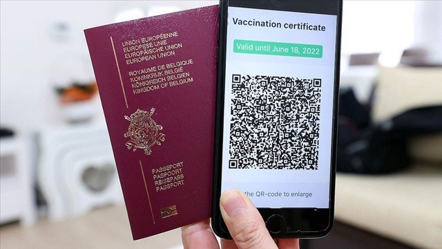 Galler'de aşı pasaportu mecburi oldu