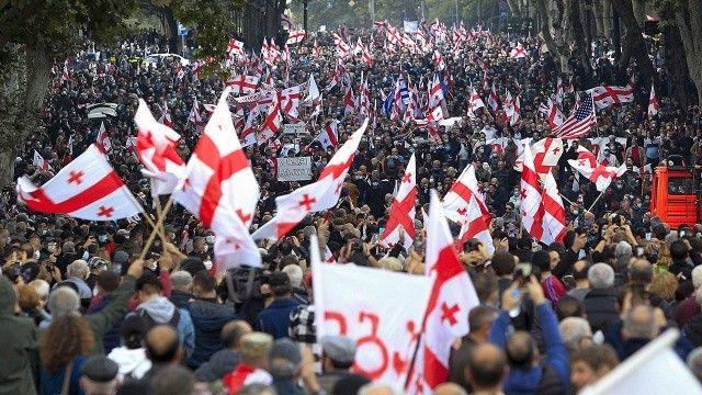 """Gürcistan'da """"Saakaşvili"""" isyanı"""