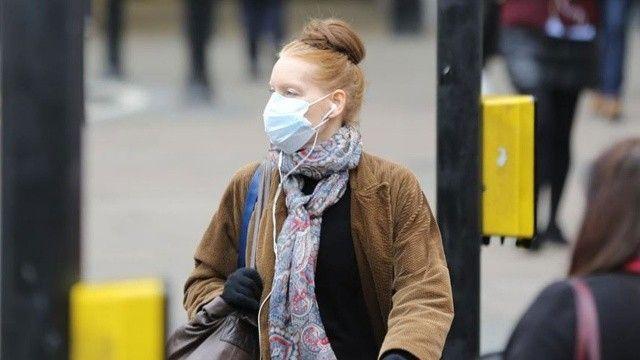 İngiltere'de kış zor geçecek: Vakalar arttı, maske mecburiyeti ve evden çalışma geri geliyor