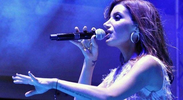 İrem Derici'nin konser öncesi küfür etti! Sosyal medyada gündem oldu