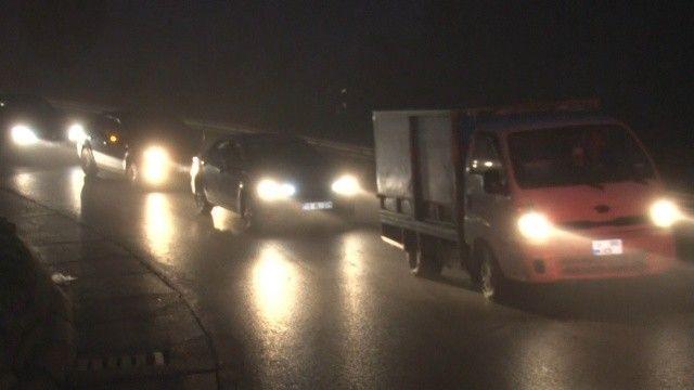 İstanbul'da gece saatlerinde yoğun sis etkili oldu