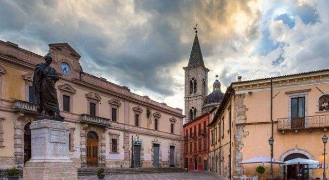 İtalya'da evler 1 Euro'dan satışa çıkarıldı!