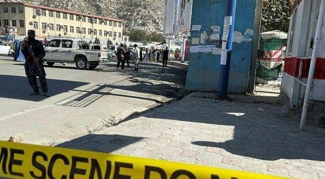 Kabil'de Taliban aracına bombalı saldırı! Ölü ve yaralılar var