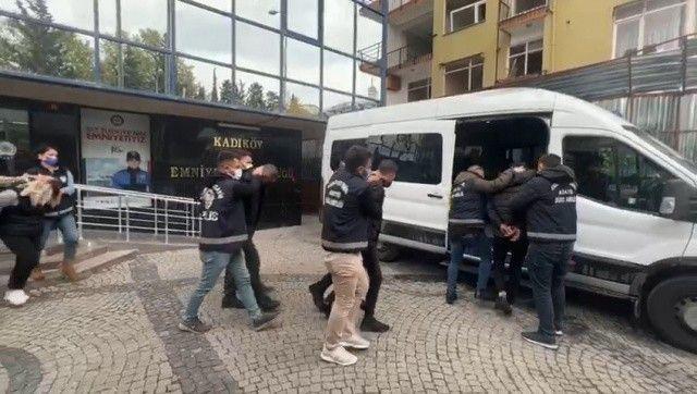 Kadıköy'de sokak ortasında töre cinayeti