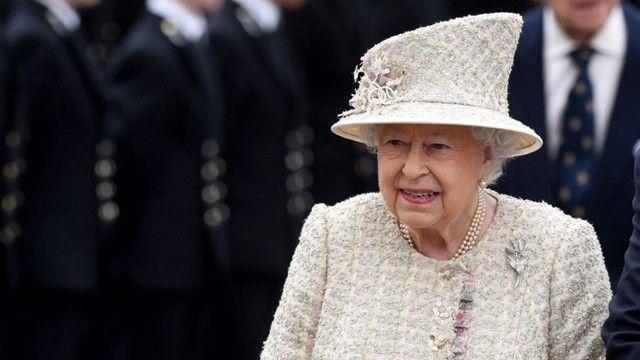 Kraliçe Elizabeth'e sağlık engeli: Kuzey İrlanda gezisini iptal etti