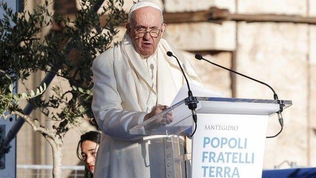 Papa, Kanada'da günah çıkaracak