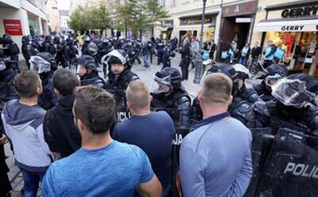 Slovenya Hükümeti'nden orantısız güç iddialarına cevap