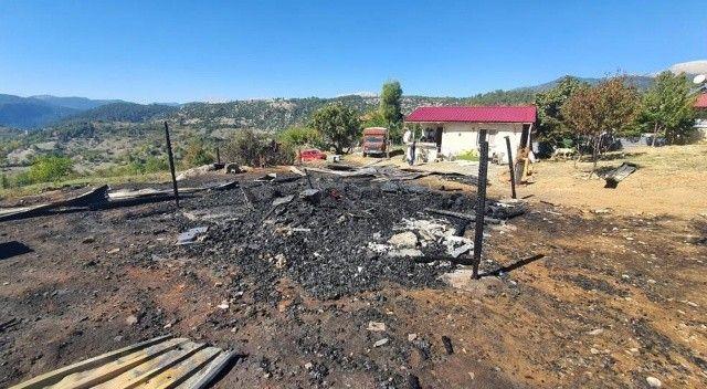 Yangın bir evi kül etti