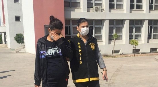 Adana ilginç hırsızlık: Hamile kadın çilingirci çağırıp komşusunu soydu!