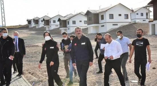AFAD Başkanı talimat verdi: Deprem konutları en kısa sürede teslim edilecek