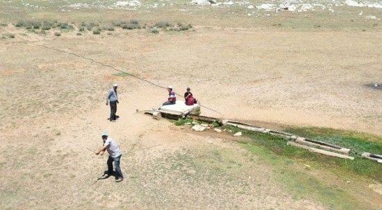 Yayladaki çobanın drone şaşkınlığı: Önce kovaladı, sonra selamladı