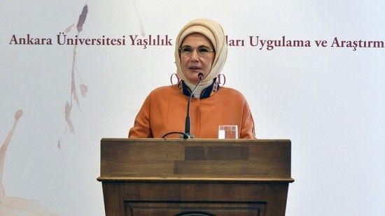 Emine Erdoğan: Bugün dünyada yaşlılar giderek yalnızlaşıyor