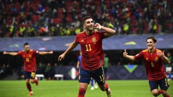 İspanya, İtalya'nın tarihi rekorunu egale edip finale çıktı