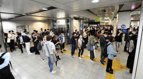 Japonya'nın başkentinde son 10 yılın en kuvvetli depremi meydana geldi