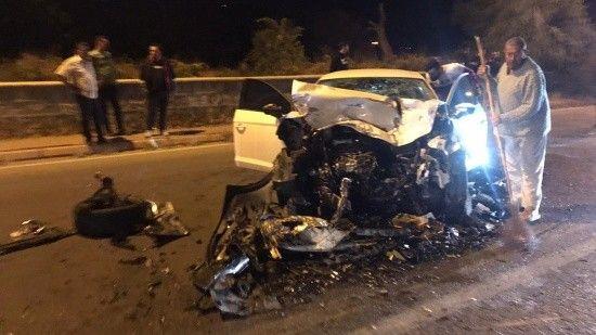 Kayseri'de 4 otomobil çarpıştı, çok sayıda yaralı var