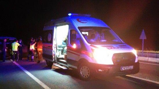 Konya'da minibüs koyun sürüsüne çarptı, 7 kişi yaralandı