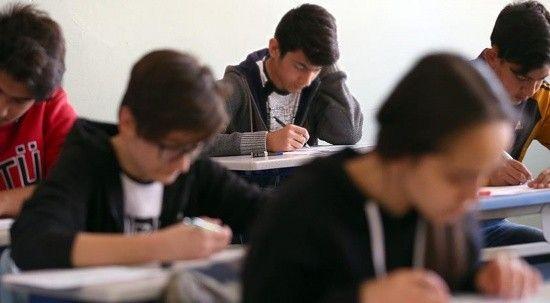 MEB'den her ay öğrencilere yardımcı kitap desteği