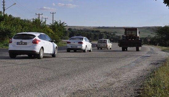Mıcırlı yolda araç nasıl kullanılmalı?
