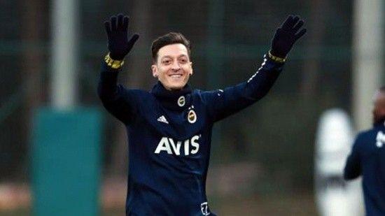 Özil, Fenerbahçe camiasını heyecanlandırdı